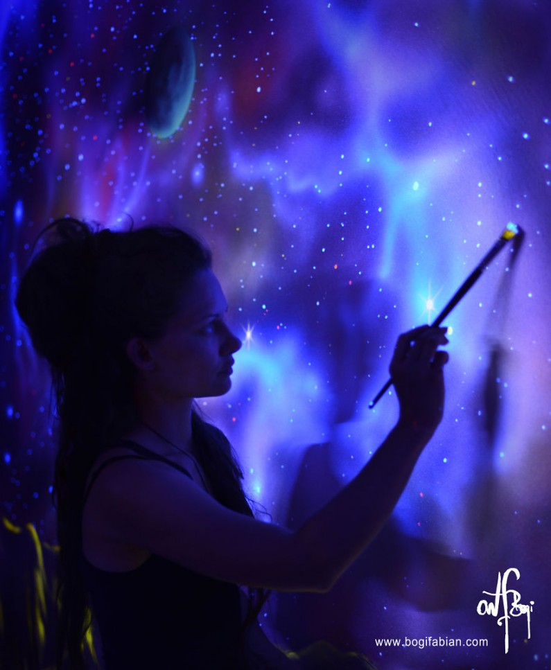Glowing Murals Turn Dark Rooms Into Dreamy Worlds