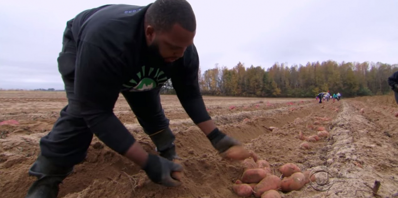 NFL Star Quits Job To Run a Farm and Feed The Hungry